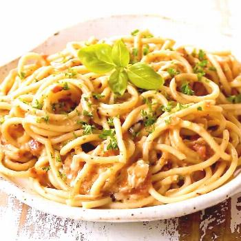 20 minute (or less!) CREAMY CHICKEN SPAGHETTI without any canned