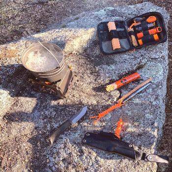 Backyard bushcraft. From nothing to boil in about 15 minutes. The