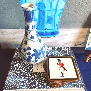 //Blue and White Vase and Vintage Coasters// who doesn't love a b