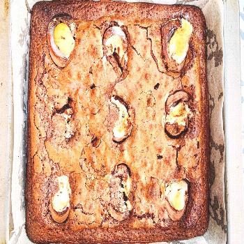 Creme egg brownies . . . I was supposed to be making these for Ea
