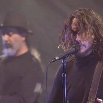 Fell on black days - live on Letterman . . One of my favorite vid