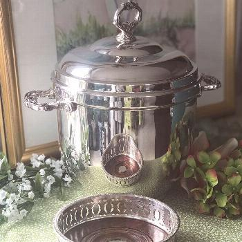Here's a great Sheridan silverplate ice bucket that's insulated.