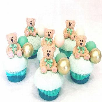 How cute are these teddy???? bear cupcakes Too pretty to eat #ecl