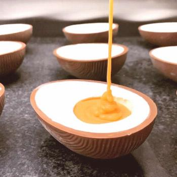 It's that time of the year again! Homemade vanilla fondant sauce