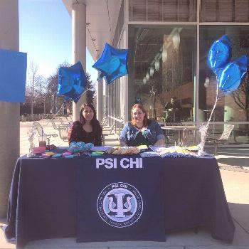 Kudos to the The Psi chi officers! They were out promoting eating