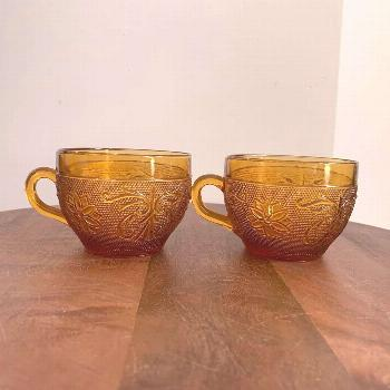 Vintage pair of depression glass tea cups! $8 + shipping.