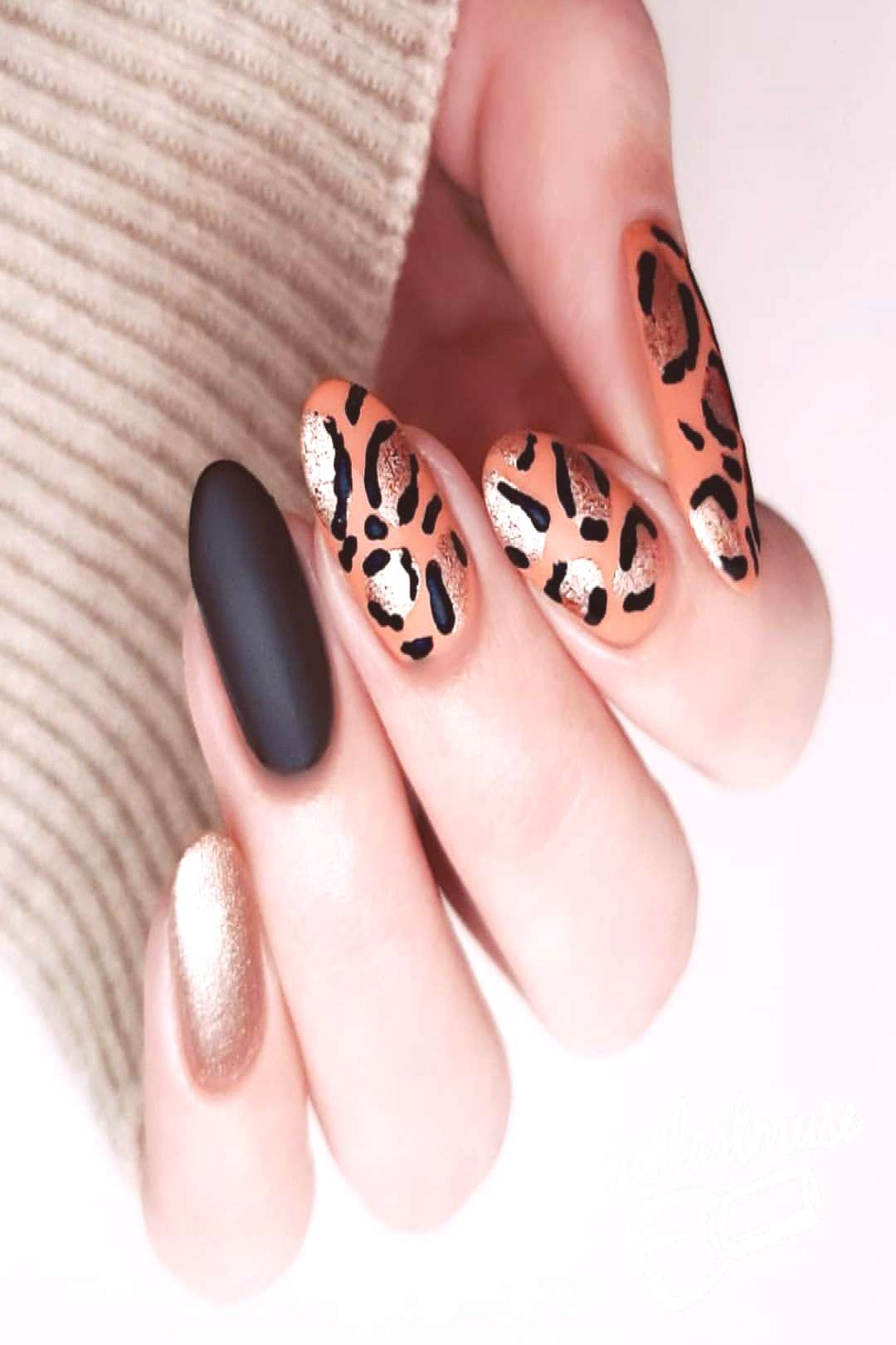 One of the most attractive designs - leopard nails Third and fina