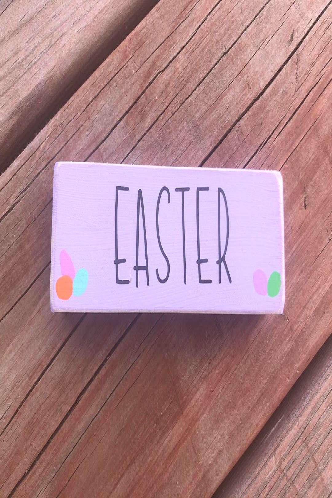 possible text that says 'EASTER'
