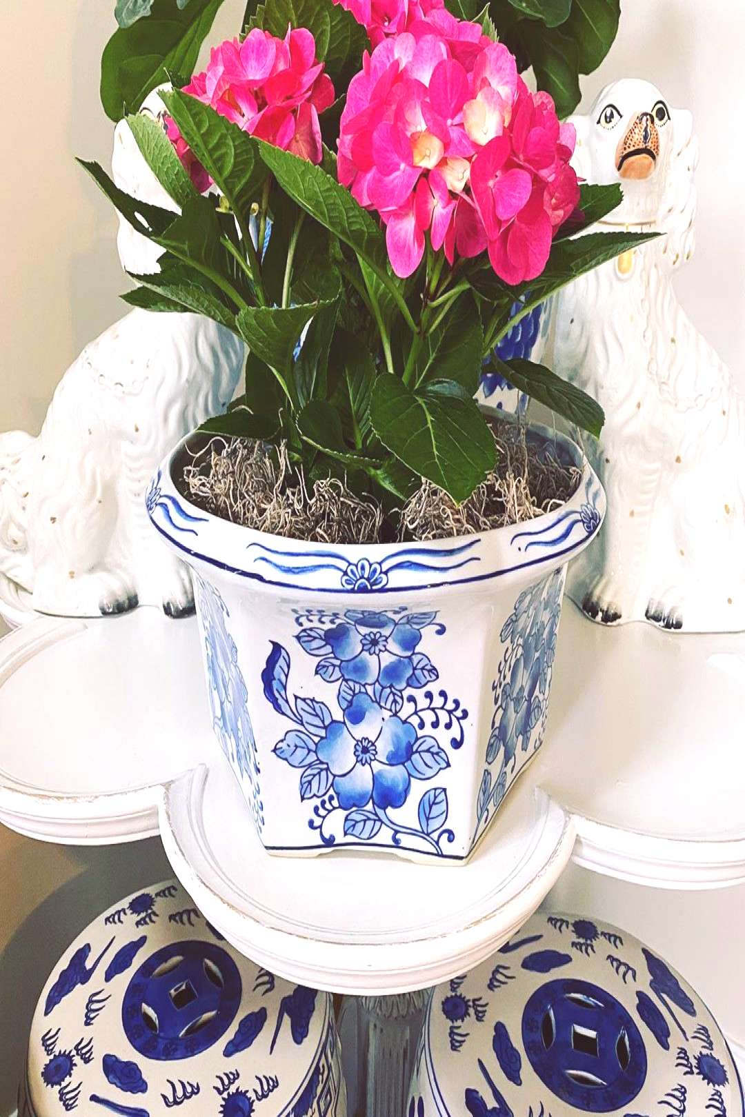 //Vintage Blue and White Cachepot// this large cachepot is curren