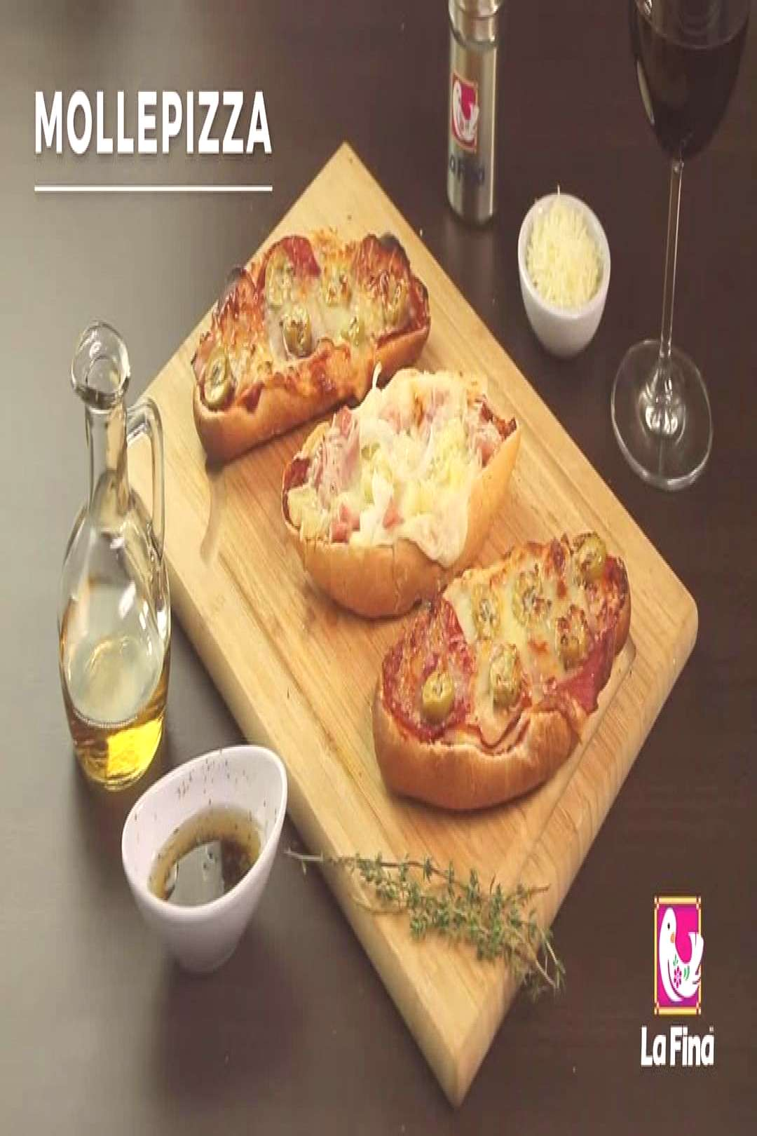 Who doesn't love a quick, healthy and easy pizza? This pizza brea